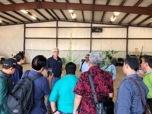 Prior to arriving in Chicago, a team of tempeh producers from Indonesia visited ISA Chairman Doug Schroeder's farm near Mahomet, Illinois. They discussed production best practices, soybean quality and more. ISA also hosted a dinner for this group in Chicago during the conference.