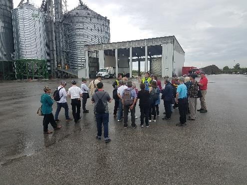 Many U.S. Soy Global Trade Exchange participants visited soybean container loading facilities to learn more about this shipping option. Several container exporters hosted tours at Illinois locations, including CHS in Newark, CGB Enterprises in Joliet, and DeLong Company, also in Joliet.